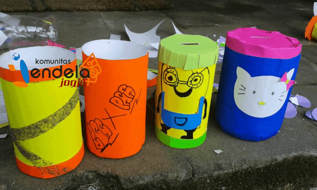 Prakarya botol plastik bekas oleh anak-anak Turgo dengan aneka corak
